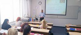 Gostujoči predavatelj g. Damjan Vrabl (Perutnina Ptuj d. o. o.) pri predmetu Obvladovanje nabave (dr. Tina Vukasović) – 6. 2. 2020