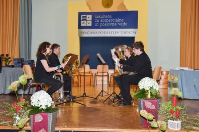 Kvartet tub (Žiga Kališnik, Gašper Gortnar, Matija Mervič in Nina Tajč)