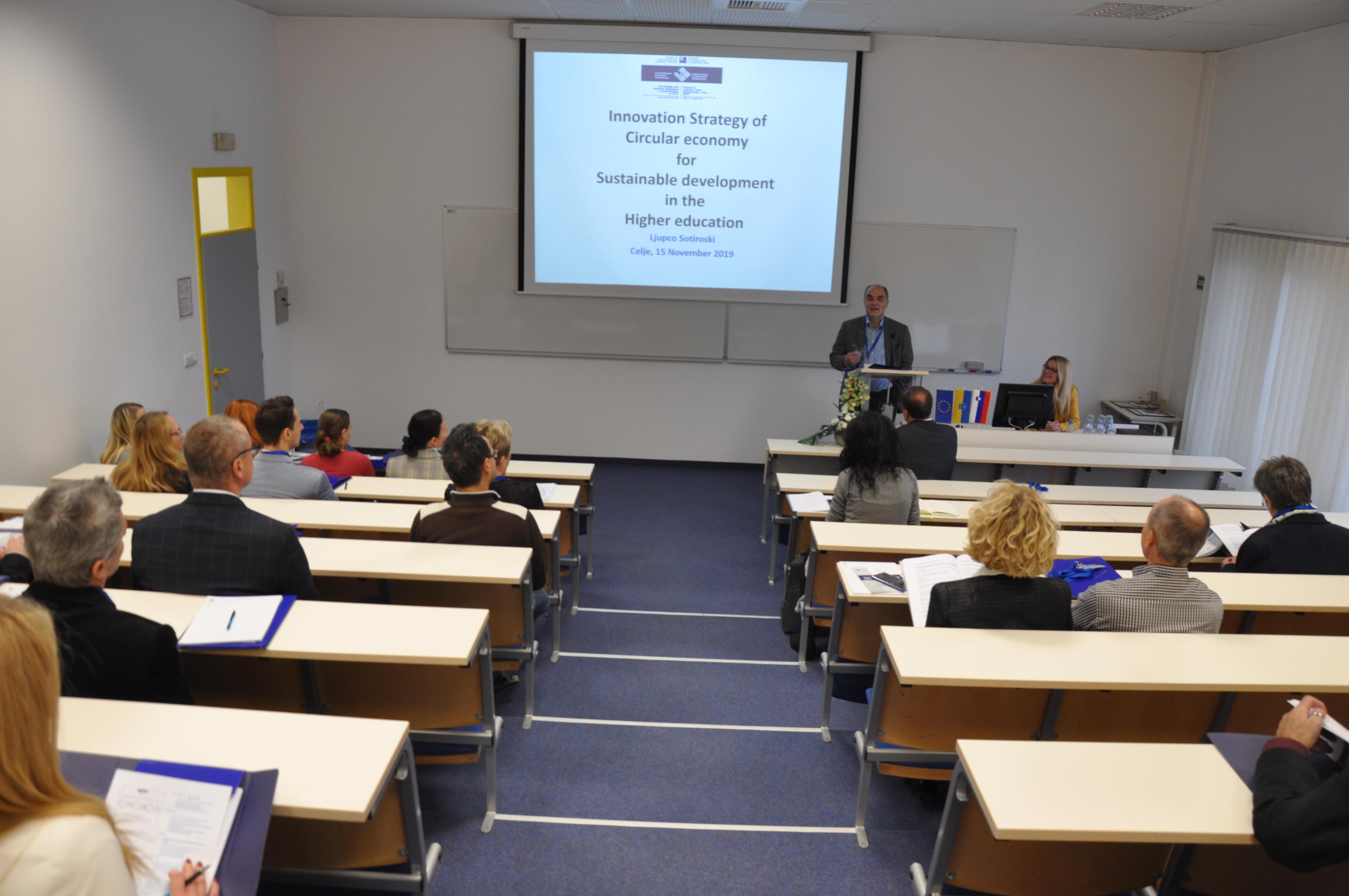 prof. dr. Ljupče Sotiroski s prispevkom Inovativne strategije krožnega gospodarstva za trajnostni razvoj visokošolskega izobraževanja