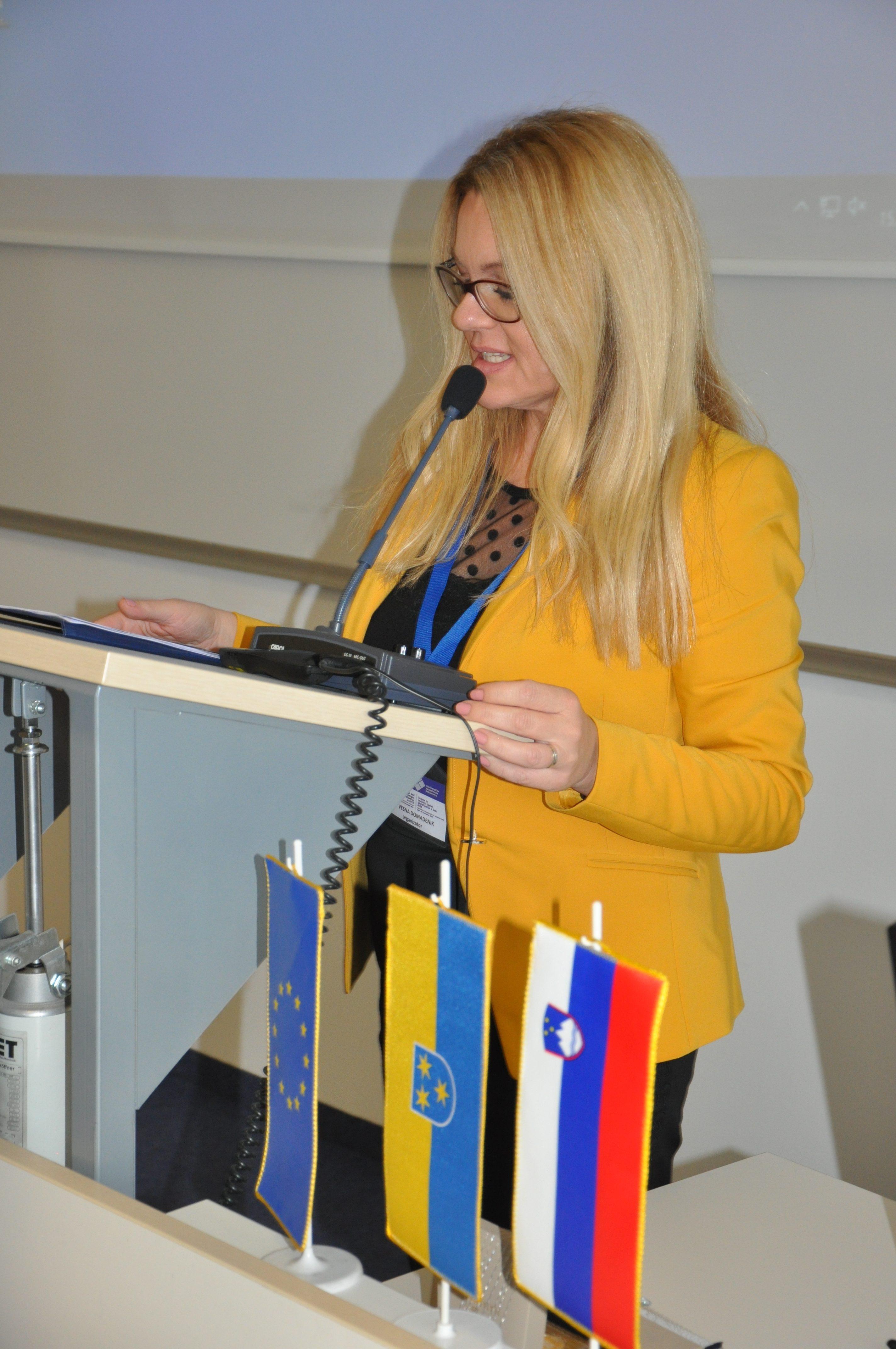 Konferenco je povezovala Vesna Domadenik, mag.
